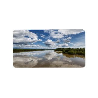 夏の景色: 川の反射を曇らせます 宛名ラベル