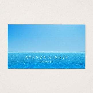 夏の空の海のセラピストの心理学者のソファ 名刺