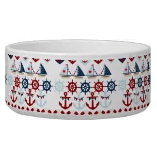 夏の航海のなテーマは帆ボートの舵輪を固定します