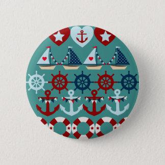 夏の航海のなテーマは帆ボートの舵輪を固定します 缶バッジ