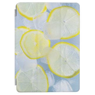 夏新しいレモン氷のソーダ飲み物の写真 iPad AIR カバー