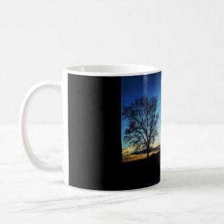 夕べの木のマグ コーヒーマグカップ