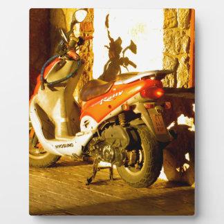 夕べ日曜日のモーターバイク フォトプラーク