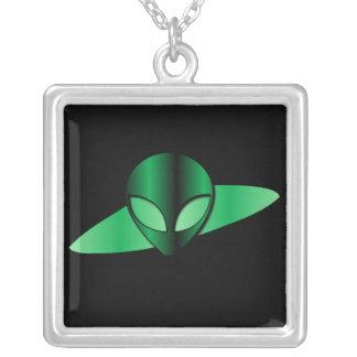 外国UFOのネックレス シルバープレートネックレス
