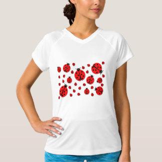 多くのてんとう虫の影 Tシャツ