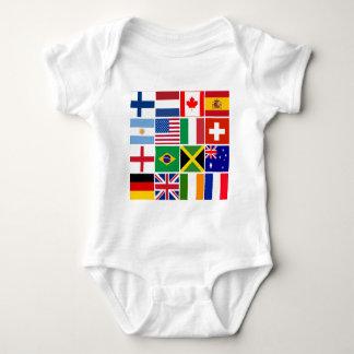 多くの国家のTシャツの16旗、マグ、多く ベビーボディスーツ