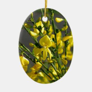 多くの美しく黄色い花 セラミックオーナメント