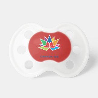 多彩でおよび赤いカナダ150の役人のロゴ- おしゃぶり