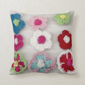 多彩なかぎ針編みの花 クッション