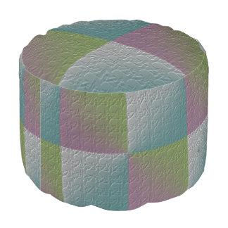 多彩なエンボスの正方形パターン紫色の緑 プーフ