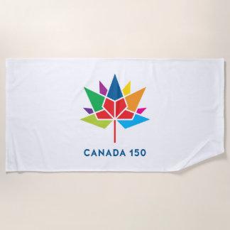 多彩なカナダ150の役人のロゴ- ビーチタオル