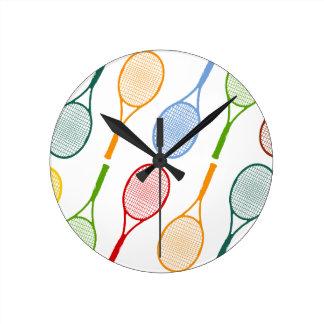 多彩なテニスラケットパターン ラウンド壁時計