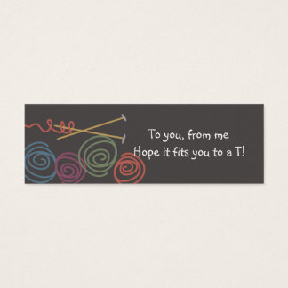 多彩なヤーンの球の編み物針のギフトのラベル スキニー名刺
