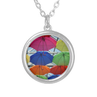 多彩な傘 シルバープレートネックレス