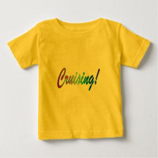 多彩な巡航 ベビーTシャツ