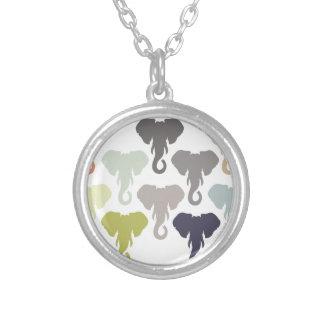 多彩な象 シルバープレートネックレス