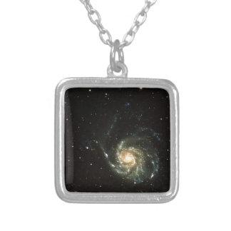 多彩な銀河の銀河系の太陽系 カスタムネックレス