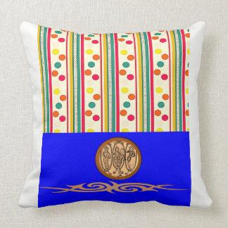 多彩なpokadotの綿の投球の装飾的な枕 クッション