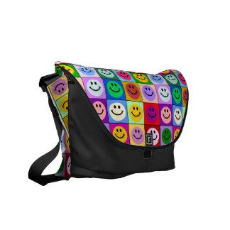 多彩のにこやかな正方形のバッグ クーリエバッグ