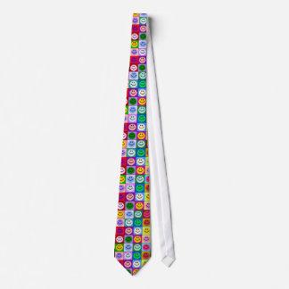 多彩のにこやかな正方形 ネクタイ