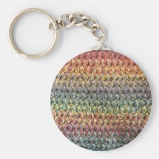 多彩のストライプのな編まれたかぎ針編み キーホルダー
