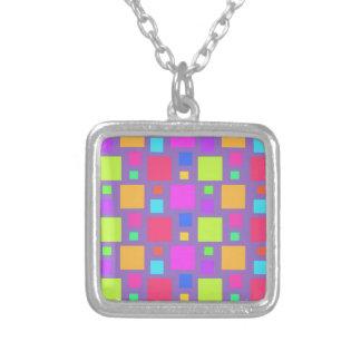 多彩の正方形2011年 シルバープレートネックレス