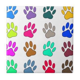 多彩犬の足のプリントパターン タイル