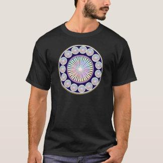 多数のチャクラ-輝きnの生きている曼荼羅 tシャツ