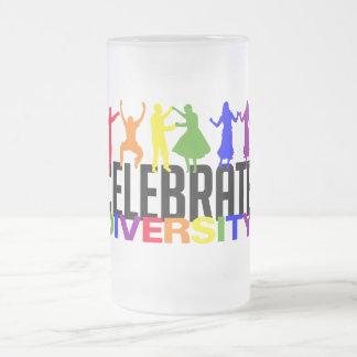 多様性のマグを祝って下さい フロストグラスビールジョッキ