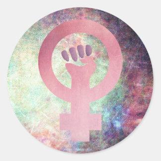 多色刷りのグランジな質のピンクの男女同権主義の記号 ラウンドシール