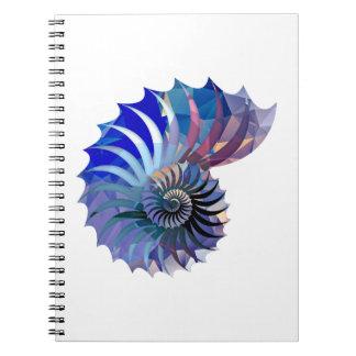 多角形のモザイクオウムガイの貝の青及び紫色 ノートブック