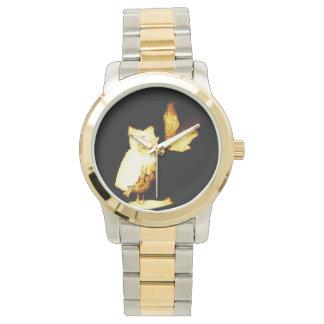 夜に光っているフクロウ 腕時計