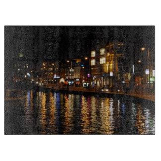 夜のアムステルダムの運河 カッティングボード