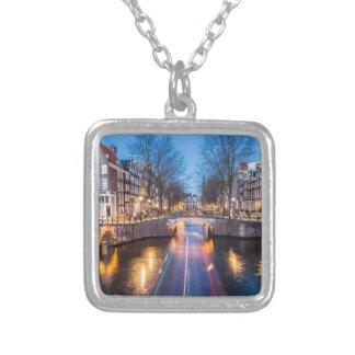 夜のアムステルダム運河 シルバープレートネックレス