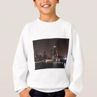 夜のシカゴのスカイライン スウェットシャツ