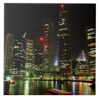 夜のシンガポールのスカイライン タイル