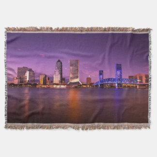 夜のジャクソンビルフロリダのスカイライン スローブランケット