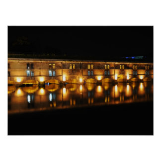 夜のストラスブールのVaubanのダム ポスター