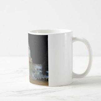 夜のチャールストンの国会議事堂 コーヒーマグカップ