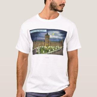 夜のデラウェア州およびハドソンCo.の建物 Tシャツ