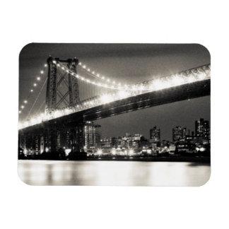 夜のニューヨークシティのウィリアムズバーグ橋 マグネット