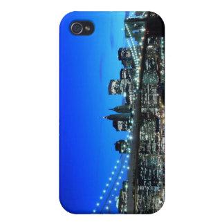 夜のニューヨークシティのスカイラインそしてブルックリン橋 iPhone 4/4S カバー