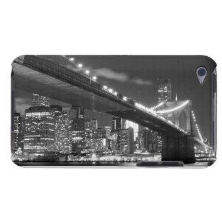 夜のブルックリン橋そしてマンハッタンスカイライン Case-Mate iPod TOUCH ケース
