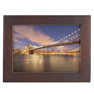 夜のブルックリン橋そしてマンハッタン ジュエリーボックス