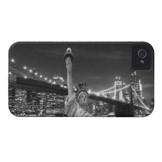 夜のブルックリン橋そして自由の女神 Case-Mate iPhone 4 ケース