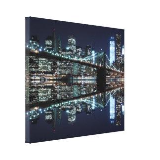 夜のブルックリン橋、ニューヨークシティ キャンバスプリント