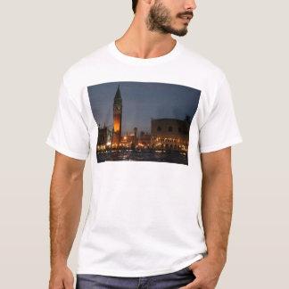 夜のベニス-サンのマクロ正方形 Tシャツ