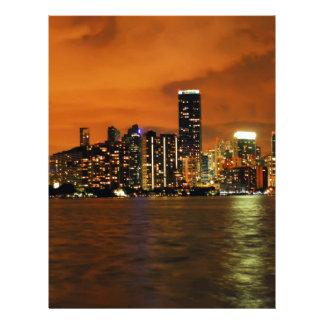 夜のマイアミ、フロリダのスカイライン レターヘッド