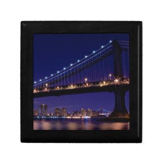 夜のマンハッタン橋の眺め ギフトボックス