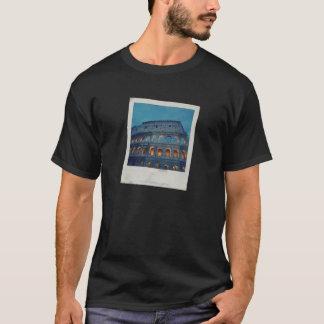 夜のローマのColosseum Tシャツ